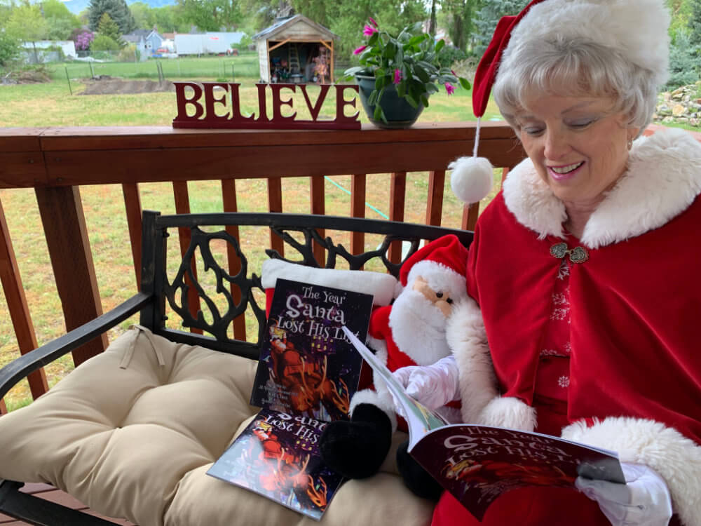 The Year Santa Lost His List 1